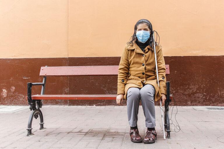 Sin poder ver ni tocar: tener discapacidad visual en medio de una pandemia