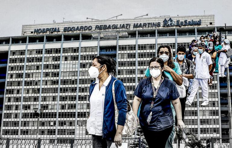 Doscientas enfermeras de la primera línea del Hospital Rebagliati no fueron consideradas en el padrón de vacunados